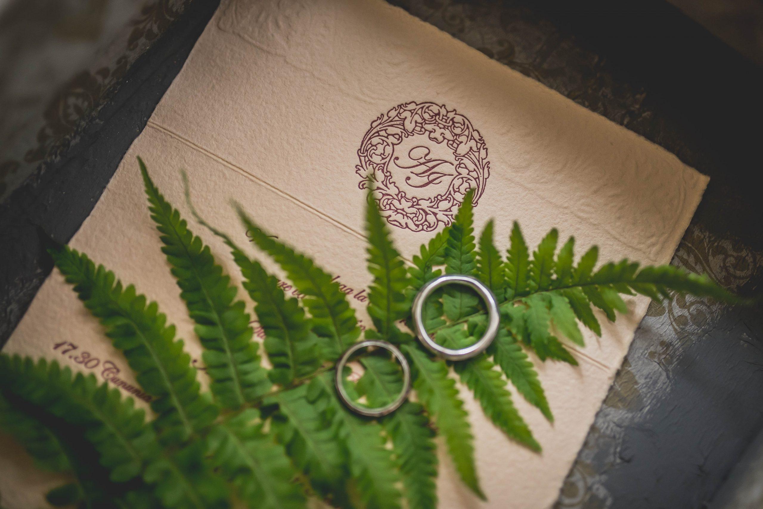 Zaproszenia ślubne – przygotowywać je samemu, kupić szablon, czy dać przygotować specjalistom od podstaw?