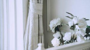 Jak dbać o sztuczne kwiaty w domu?